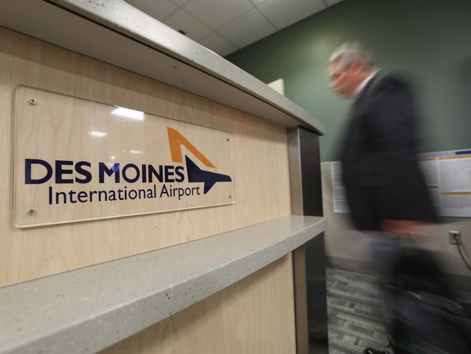 Photos Traveling Through The Des Moines International Airport - My flight to des moines