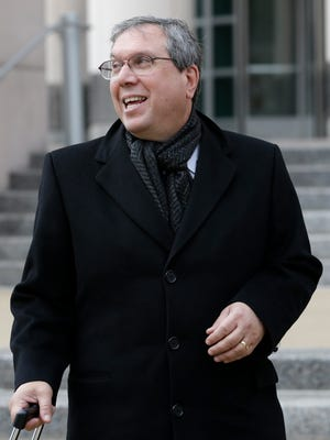 National Football League Players Association attorney Jeffrey L. Kessler walks out of federal court after presenting oral arguments before a three-judge panel of the 8th U.S. Circuit Court of Appeals on Jan. 14.