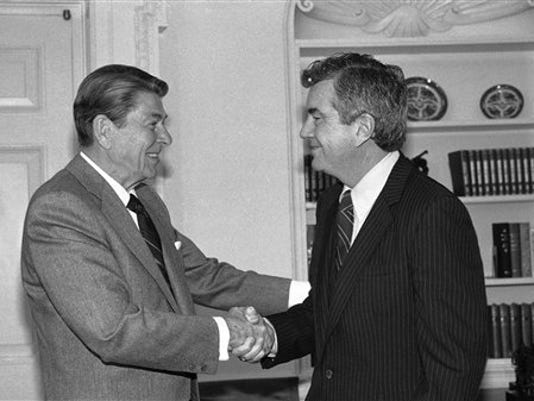 President Ronald Reagan bids farewell to Jerry Parr, the Secret Service agent he credited with saving his life during an assassination attempt, in 1985. Parr retired after 22 years with the elite unit of bodyguards. Parr died Friday at the age of 85.