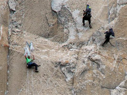 2 Yosemite climbers closing in on historic feat