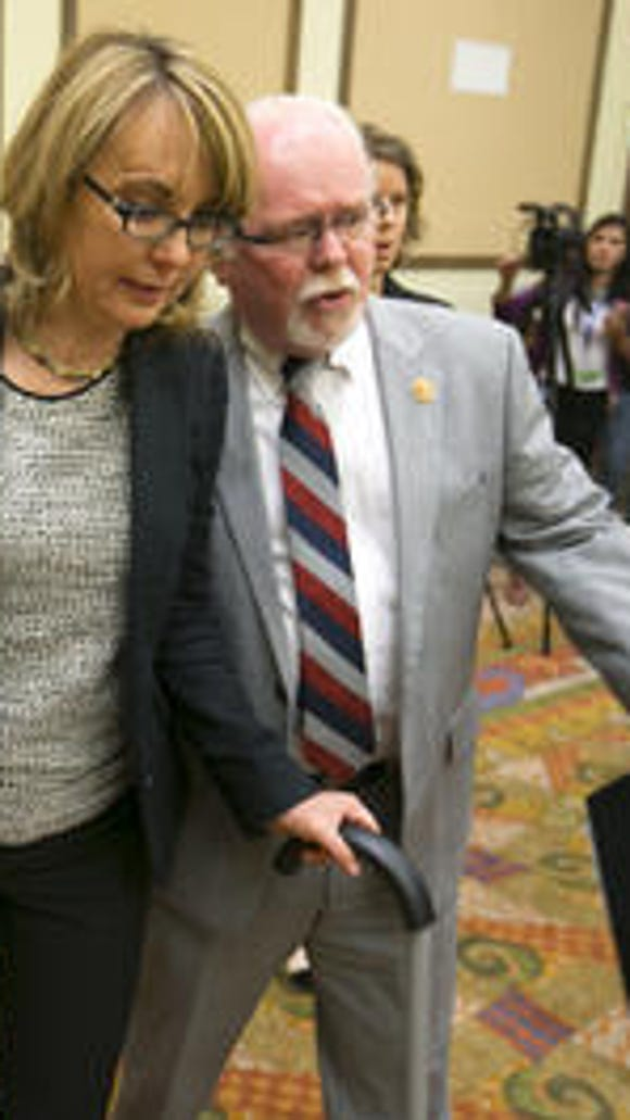 Giffords helps Barber
