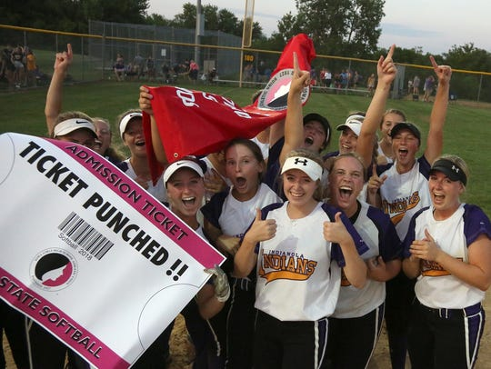 Indianola players celebrate beating Ottumwa 3-2 in