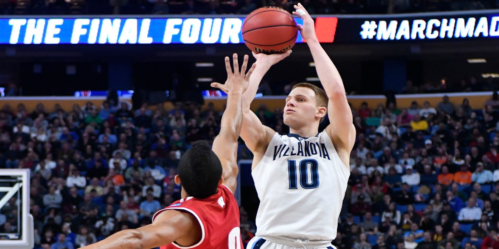 4c16ca9666f NBA draft pick Donte DiVincenzo adds more competition to Bucks' crowded  guard group