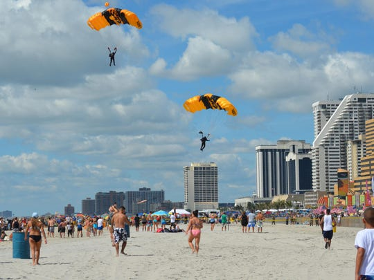 The US Army Golden Knights land on the Atlantic City