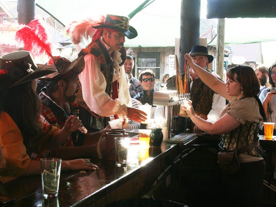 636093557037073829-ok-ren-faire-Barkeep-Contest.JPG