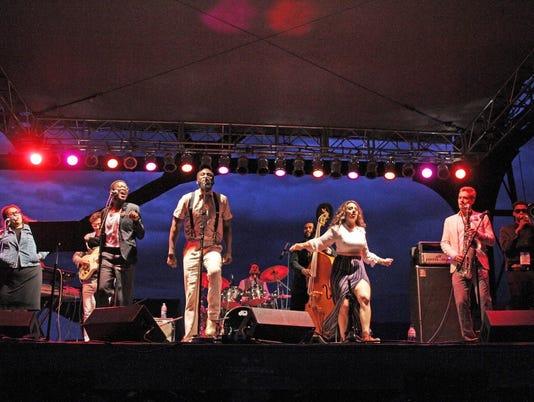 stage FAL 0207 ATR MT Folk Fest