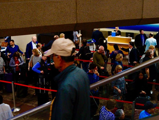 Passengers in Terminal 4 at Phoenix Sky Harbor International
