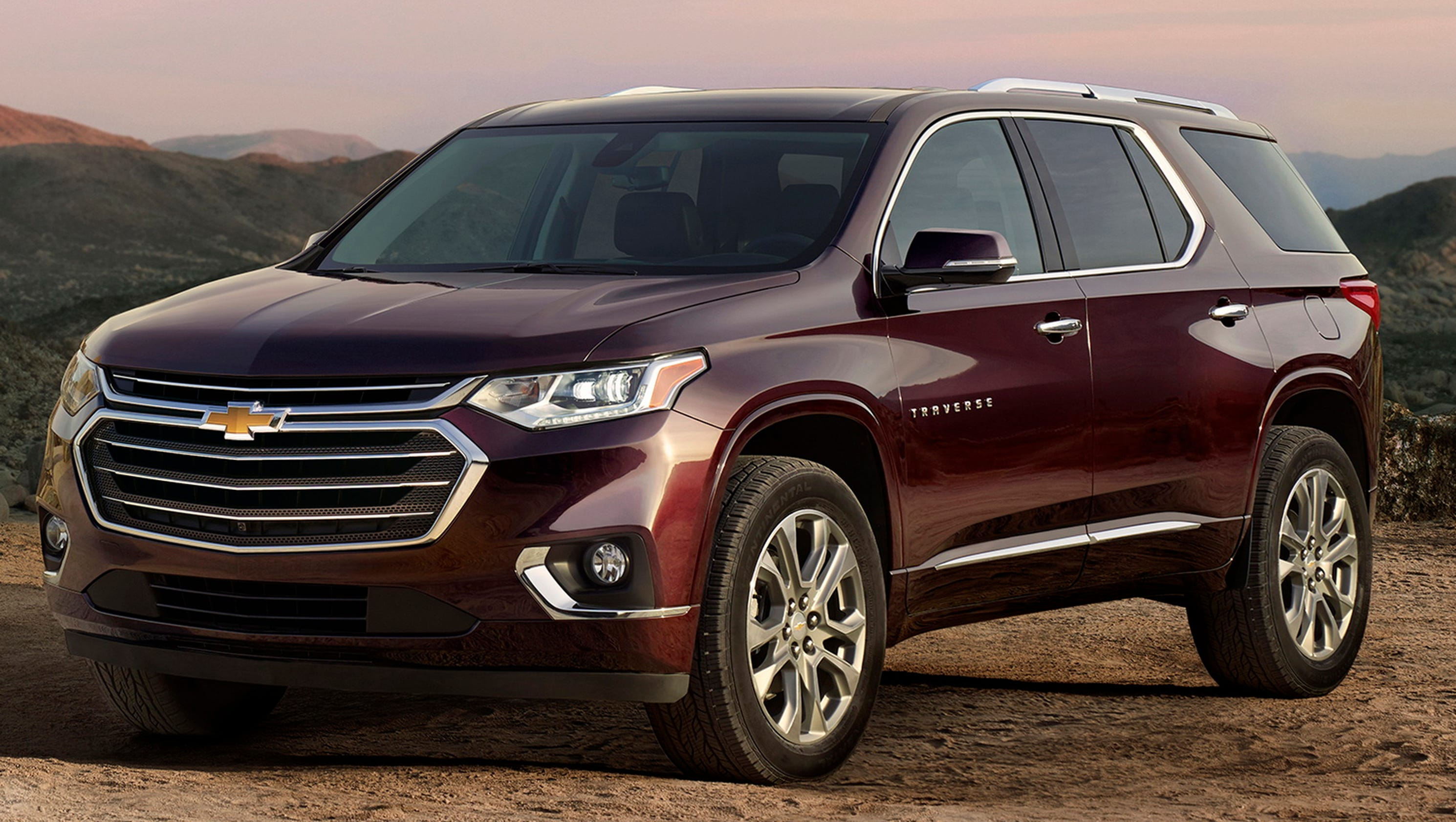 chevrolet photos tested new news a hits the crossover autoevolution trax us