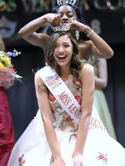 Jacqueline Pizza is crowned Miss Ventura County Outstanding Teen 2018.