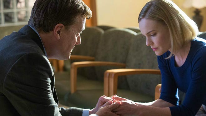 Michael W. Smith and Kate Bosworth in a scene from '90 Minutes in Heaven'