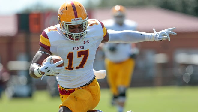JCJC's Chancie Tidwell makes his way into the end zone for a first quarter touchdown Saturday vs. Pearl River.