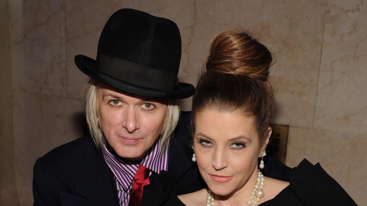 Lisa Marie Presley files for divorce