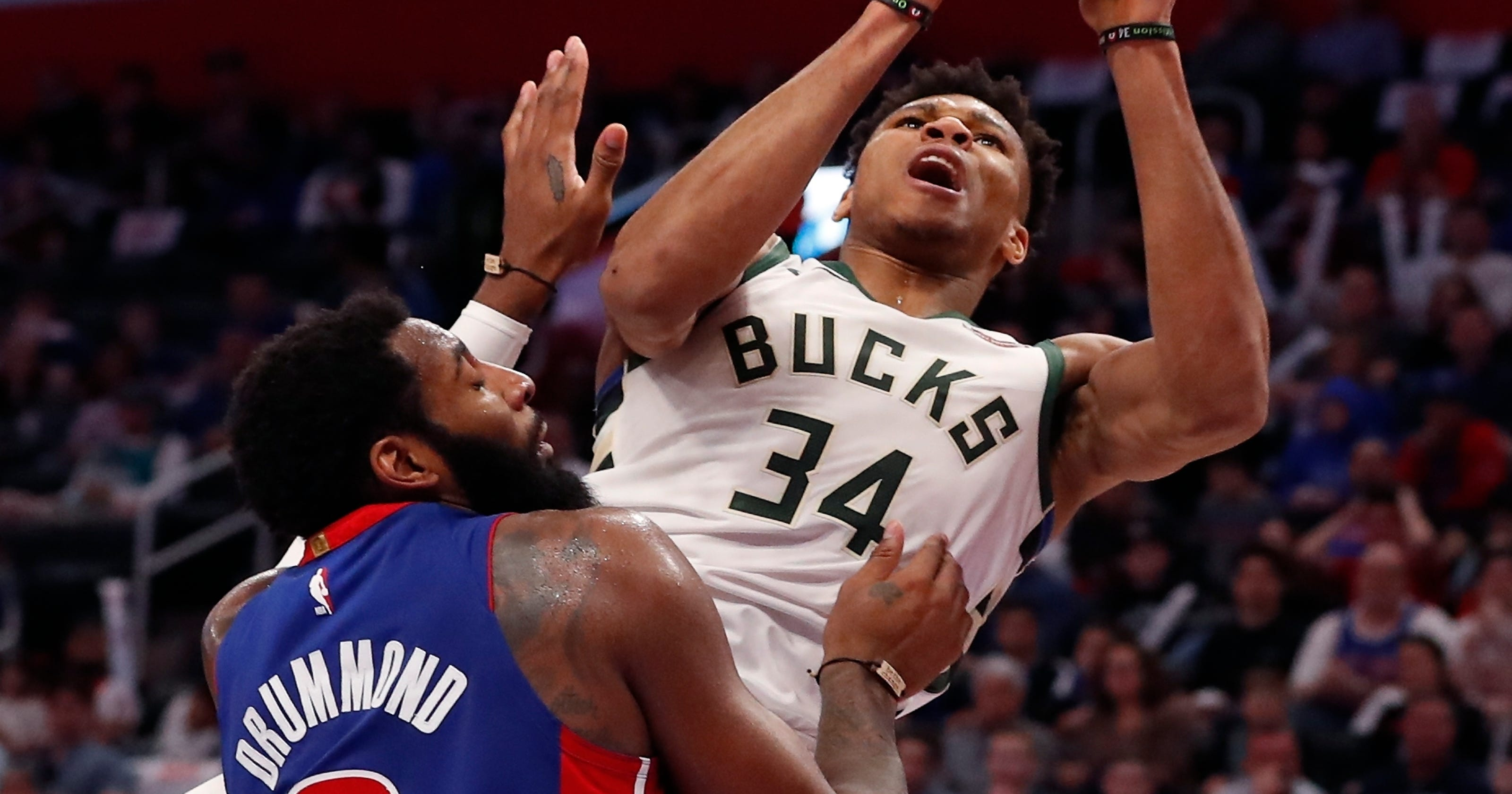 14ac3db7f81 Twitter reacts to that incredible Giannis Antetokounmpo  and-1  basket  Monday against the Pistons