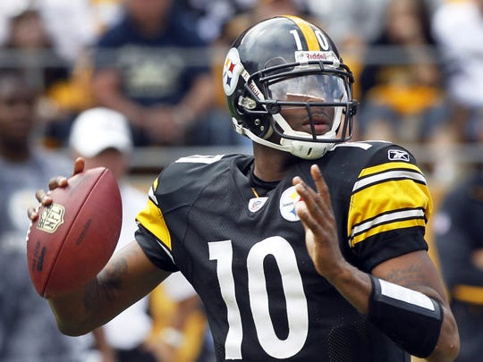 Pittsburgh Steelers quarterback Dennis Dixon (10) drops back to pass against the Atlanta Falcons in the first half of the NFL football game in Pittsburgh, Sunday, Sept. 12, 2010. (AP Photo/Keith Srakocic)