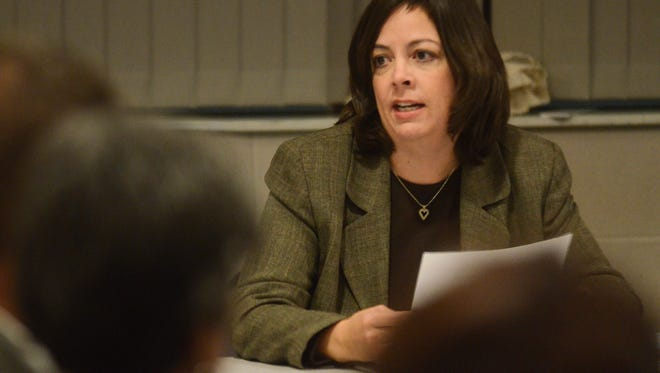 Battle Creek City Manager Rebecca Fleury speaks during a special Battle Creek City Commission meeting about Battle Creek Unlimited in 2014.