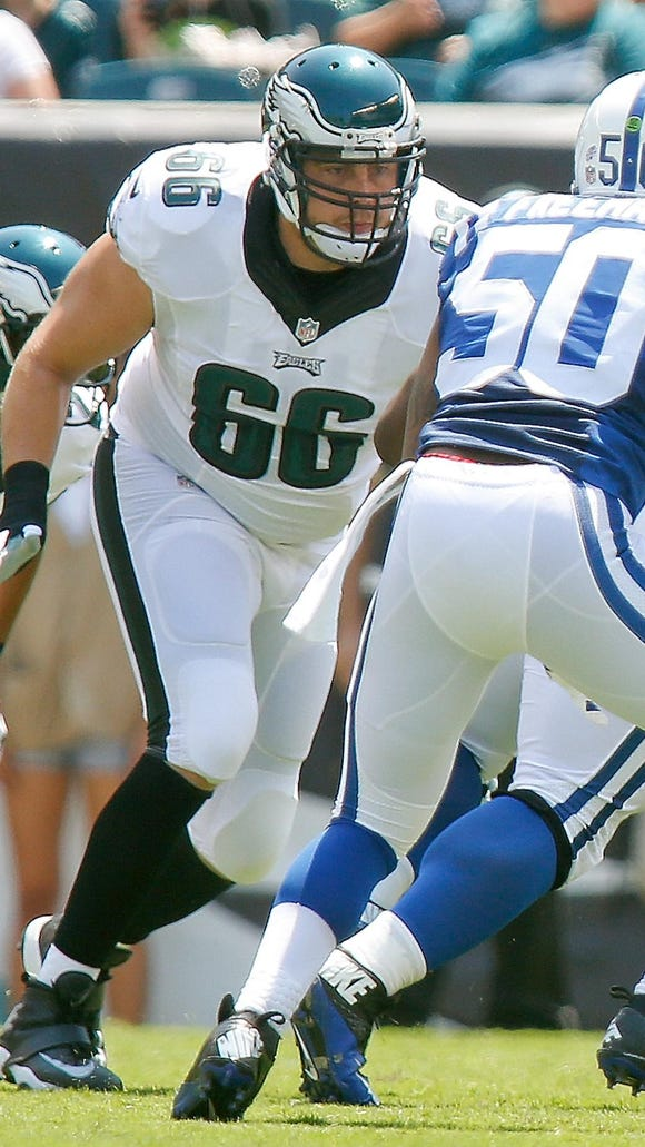 Eagles offensive tackle Andrew Gardner works against the Colts in a preseason game at Lincoln Financial Field in Philadelphia Sunday.