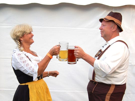 Germans make up the largest ancestry group in both
