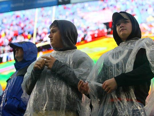 NFL: NOV 29 Raiders at Titans