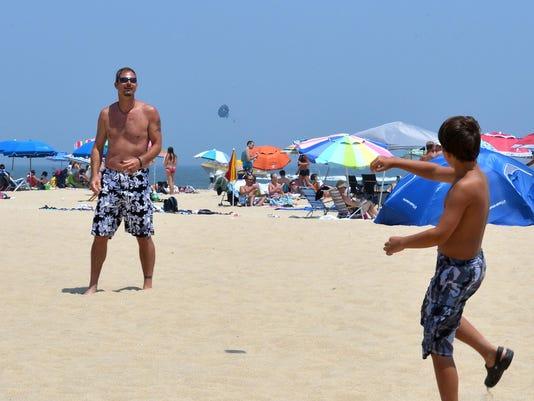 -sb7 0723 wvnews beach etiquette_20130719.nal