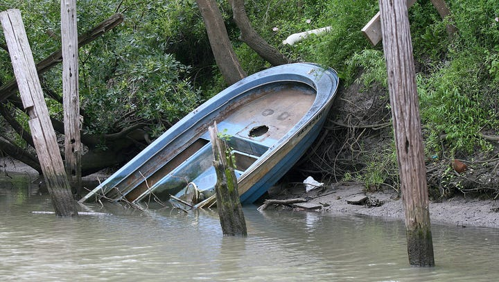 City, state departments sponsor boat disposal program