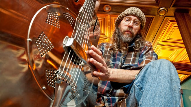 Minnesota's Charlie Parr, a acoustic blues/folk guitarist and singer, will be performing at Icon Lounge tonight. He'll be joined by local acts the Tinder Box and Condor. Music starts at 8 p.m.