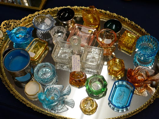 "Family heirlooms and antiques will be evaluated at the ""Retro Roundtable"" set for April 21 at the Hayes Presidential Library and Museums."
