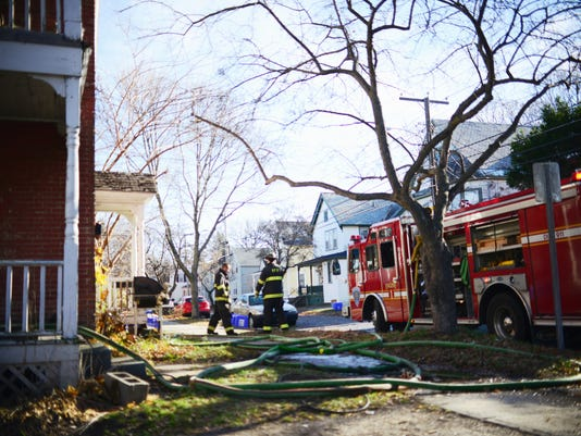 20151118 BUR Grant St fire 1
