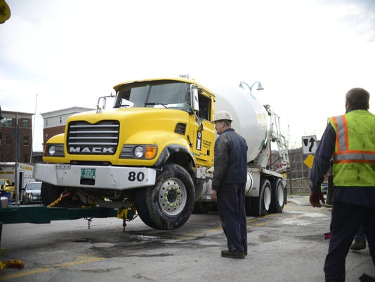 20151127 BUR Winooski truck rollover 3
