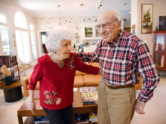 635906161294781694-TCL-Valentine-couple-01.jpg