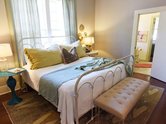 635944180705746678-TCL-airbnb-05.jpg
