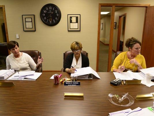 School board votes on resolutions