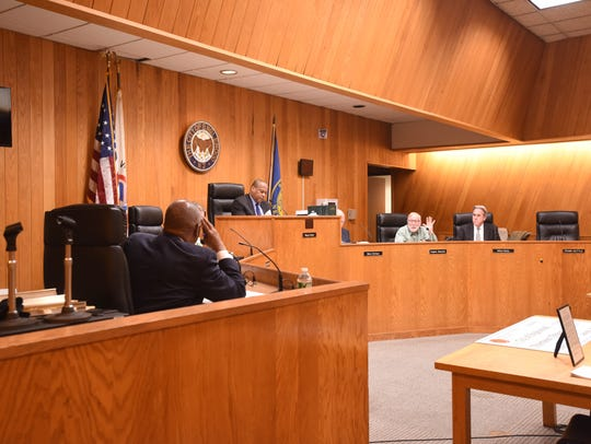 The City Council discussing amending an ordinance on