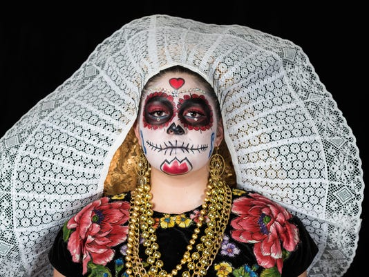 TOPSHOT-MEXICO-DAY-OF-THE-DEAD-CATRINAS