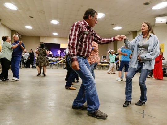 Dancers enjoy Donny Broussard & The Louisiana Stars
