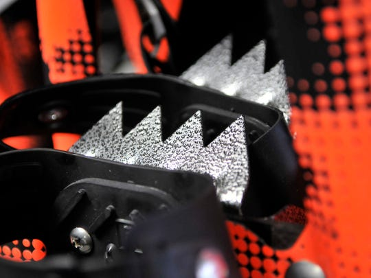 Toothed crampons make it easier to get a grip on icy patches. They can be made of stainless steel or aluminum.