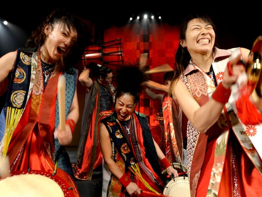 YAMATO-The-Drummers-of-Japan_DWT1516_ByMasaOgawa