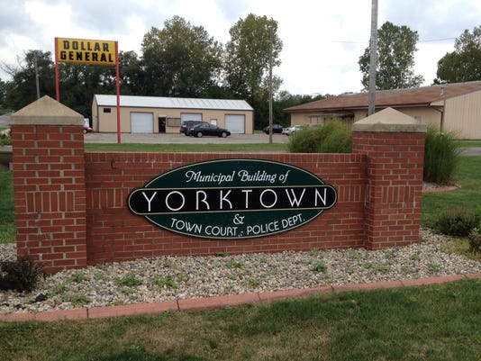 Yorktown sign.JPG