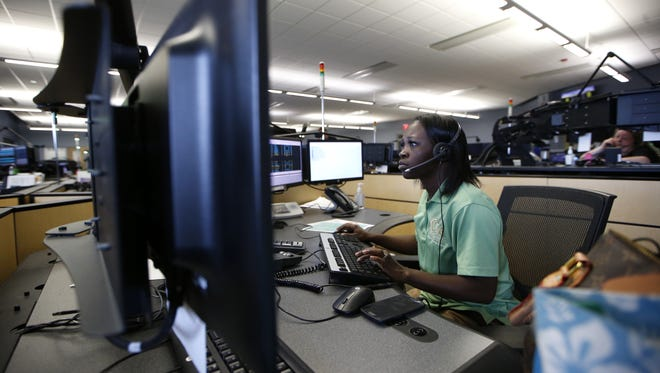 A network issue affecting Verizon cell phone customers made it slightly more difficult to get through to Leon County's 911 system for more than three hours Monday.