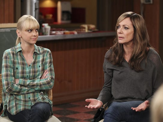 Christy (Anna Faris, left) listens to her mother, Bonnie