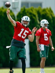 Josh McCown (left) might have the edge on Bryce Petty