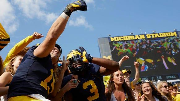 Michigan Wolverines defensive lineman Chase Winovich