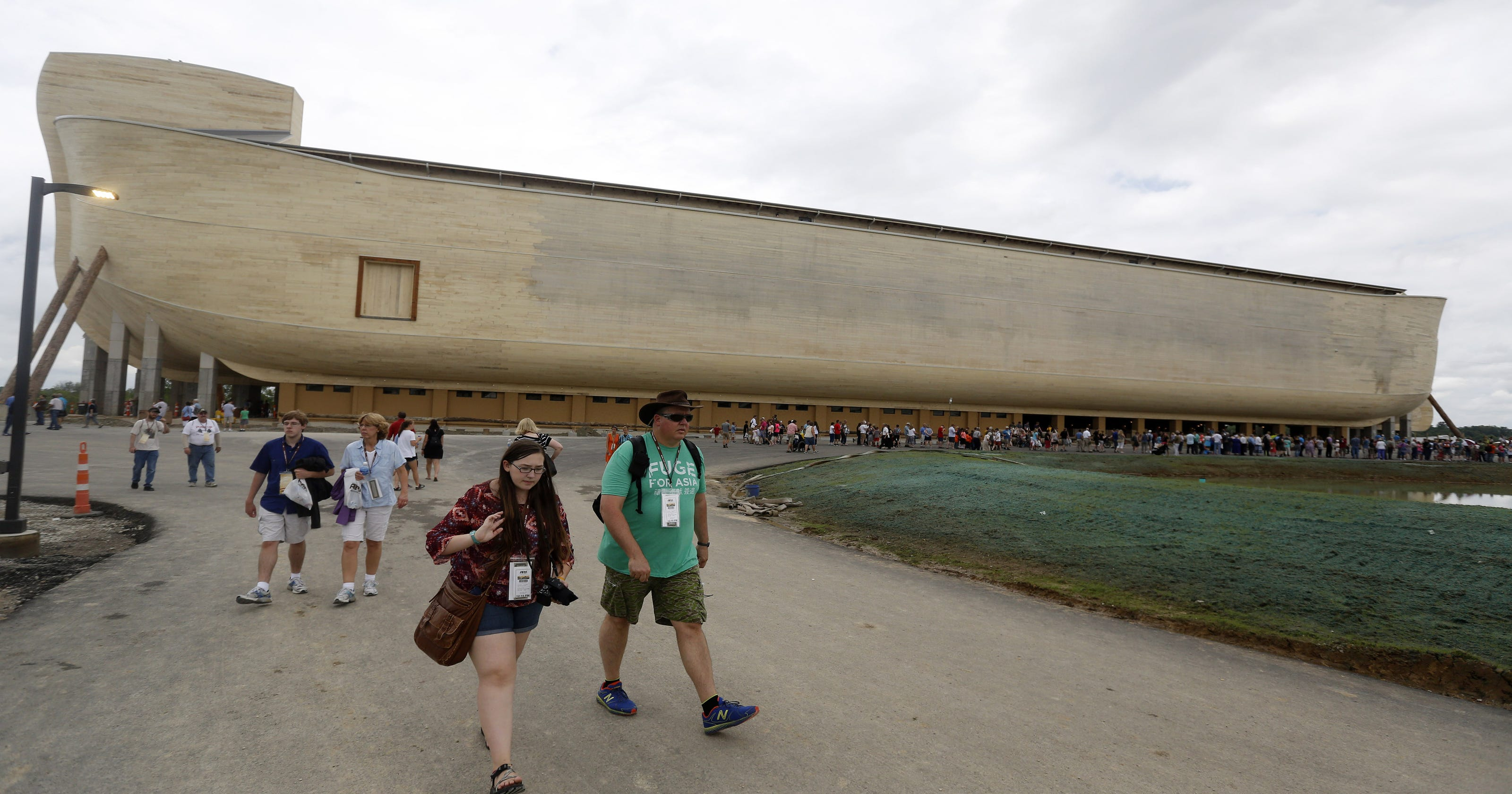 Noah's Ark theme park spars with advocacy group over visits by public school students