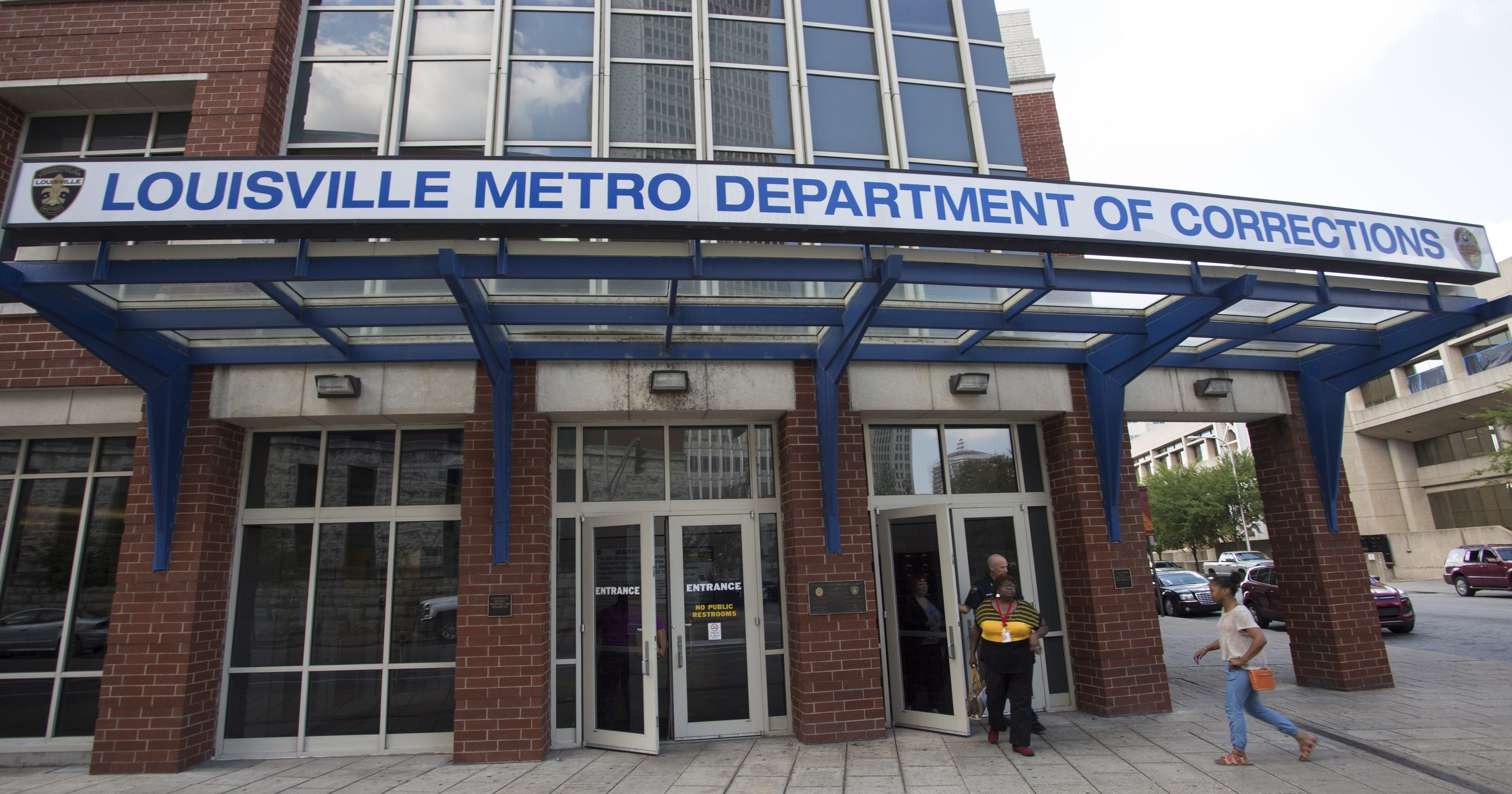 Louisville jail employees charged with official misconduct