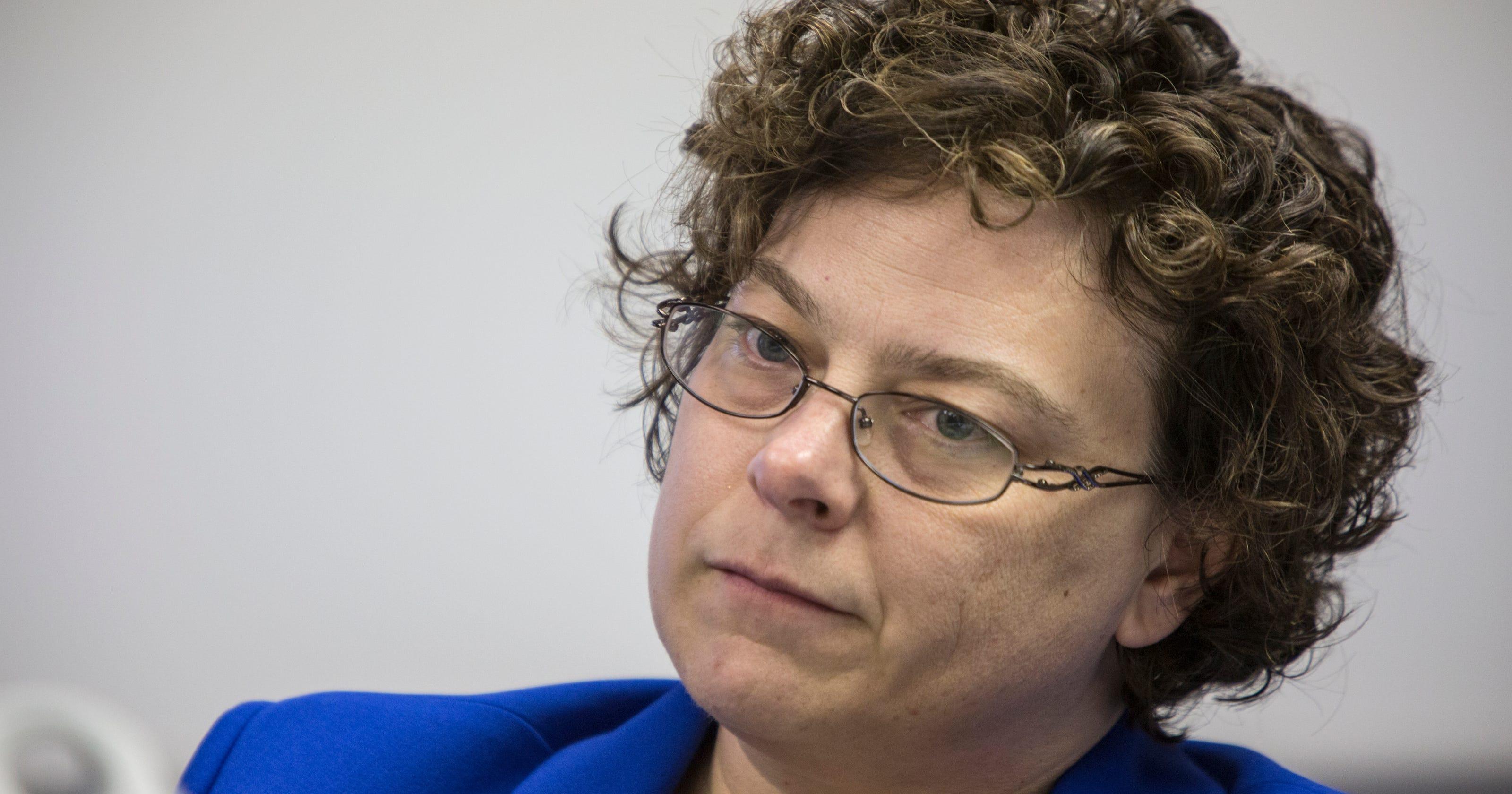 Kentucky moves to revoke '25 Again' hormone doctor's license