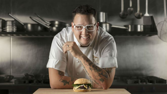 Graham Elliot will be a featured guest at the Wine and Food Experience in Cincinnati.