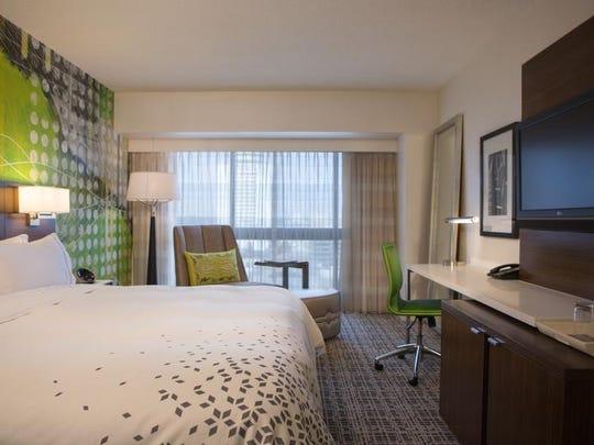 Guestroom_King_3835.jpg