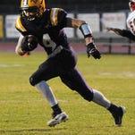 Benton's QB Jordan Shaffer vs. Plain Dealing at Benton High School Friday evening.