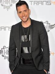Singer David Hernandez.