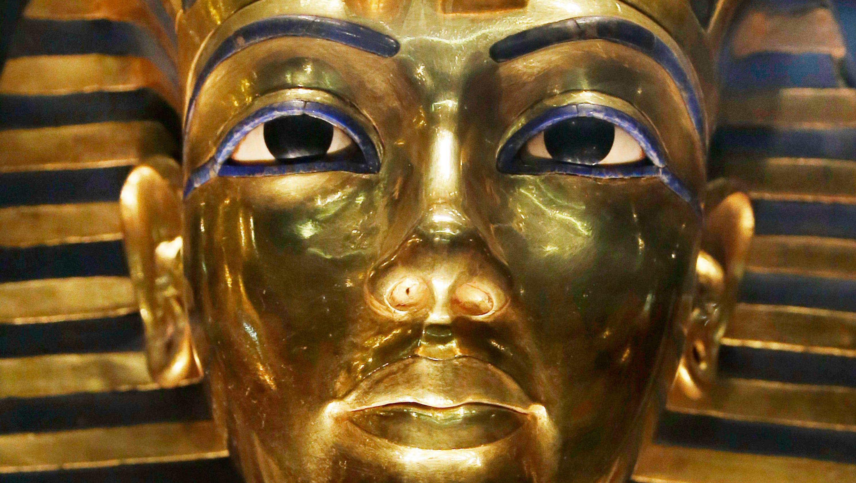 scans of king tut 39 s burial tomb show hidden rooms. Black Bedroom Furniture Sets. Home Design Ideas