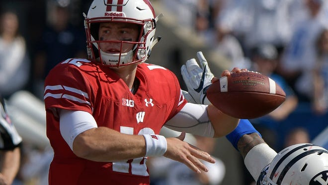 Alex Hornibrook completed 18 of 19 passes for the Badgers in their 40-6 victory over BYU.